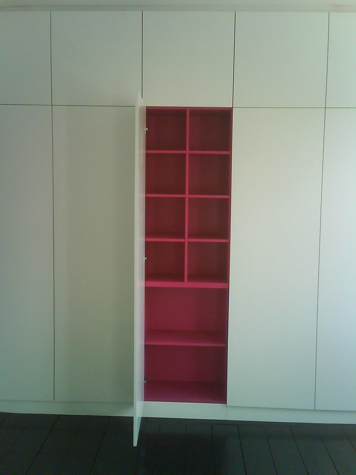 East Dulwich Wall To Wall Wardrobe