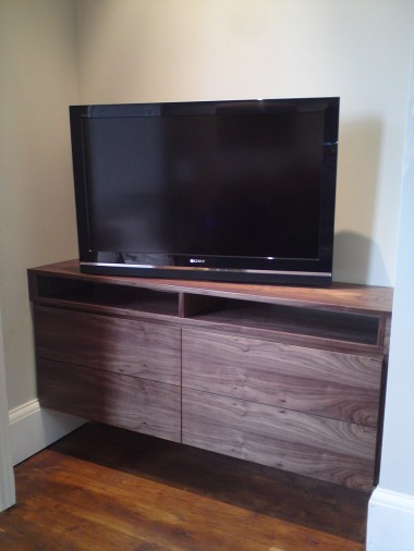 This piece has been designed with drawers for dvd storage, and a recess above for players/topboxes etc.